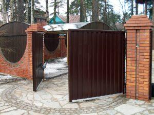 Вуличні ворота